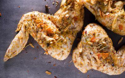 Cocina un delicioso pollo en salsa de cebolla y vino blanco